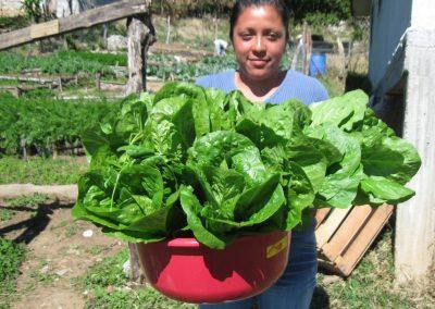 Socia beneficiaria del grupo de hortalizas