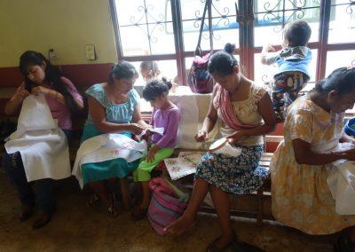 Intercambio de conocimientos entre madres e hijas