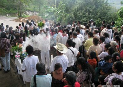 Ceremonia en el manantial de Plan de Amayo Xilitla S.L.P.