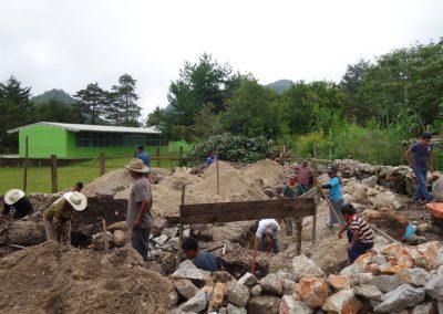Excavación de zanjas para el mamposteo de los cimientos