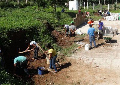 Extracción de tierra para la elaboración de barro block