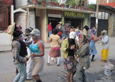 Huehues bailando un huapango en Xilitla S.L.P.