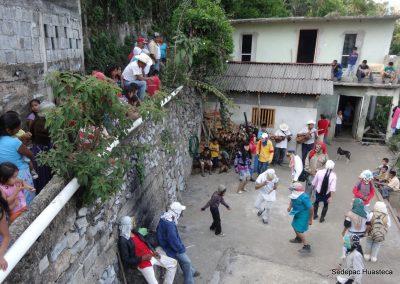 Huehues de Puerto Encinal Xilitla S.L.P. bailando un huapango