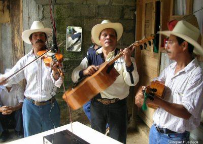Trio Felicidad Tierra Blanca Xilitla S.L.P.