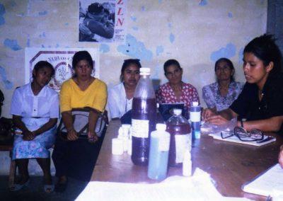 Medicina elaborada por mujeres indigenas