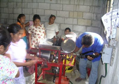 Taller de instalación del molino de nixtamal