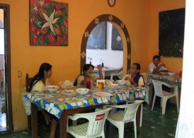 Reunión en el comedor comunitario